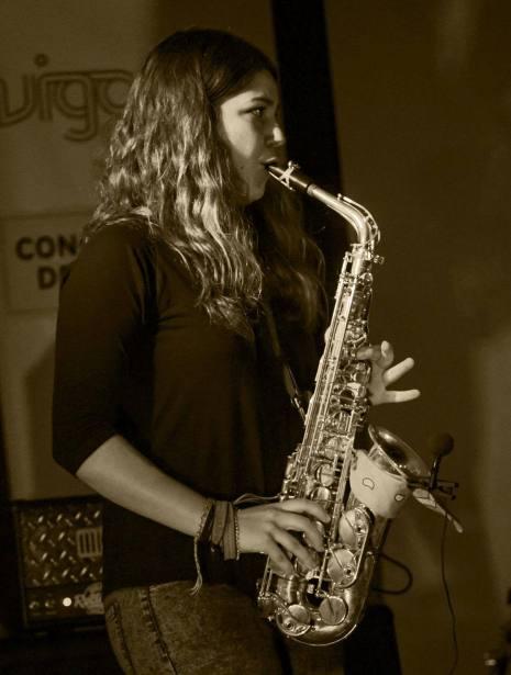ConcertoSonico26042015_YMuchosMas010